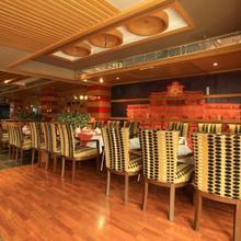 Hotel O2 Vip in Kolkata