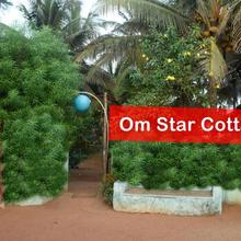 Hotel Om Star Beach Cottage in Mirjan