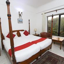 Hotel Palm Greens in Faridabad