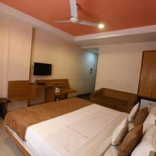 Hotel Paradise in Indore