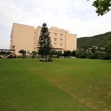 Hotel Paras Mahal in Bedla
