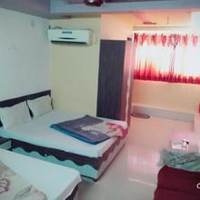 Hotel Paras Palace in Dabhoda