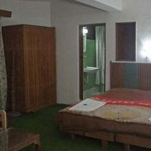 Hotel Pari Mahal in Malarpura