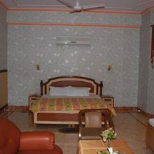 Hotel Paris Continental in Nawanshahr