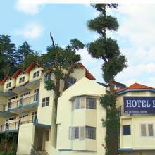 Hotel Pearl in Khajjiar