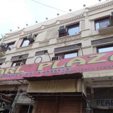 Hotel Pearl Plaza in New Delhi
