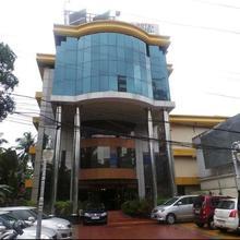Hotel Pearl Regency in Puthukkad