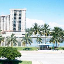 Hotel Pierre in North Miami Beach