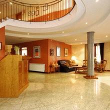 Hotel Pirineos in Laspaules