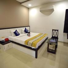 Hotel Planet in Junichavand