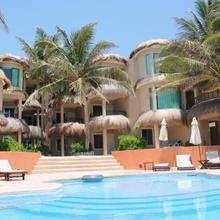 Hotel Playa La Media Luna in Isla Mujeres