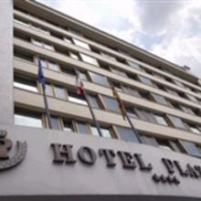 Hotel Plaza in Sambruson