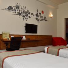 Hotel Polo Max Allahabad in Allahabad