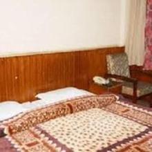 Hotel Polynia in Rhenok
