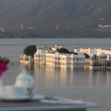 Hotel Poonam Haveli in Bedla