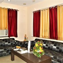 Hotel Pradeep Palace in Gorakhpur