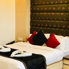 Hotel Prag Continental in Guwahati