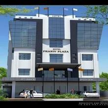 Hotel Praniv Plaza in Ambatturai