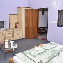 Hotel Pratiksha in Pipalsana