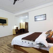 Hotel Prini Palace in Nagar