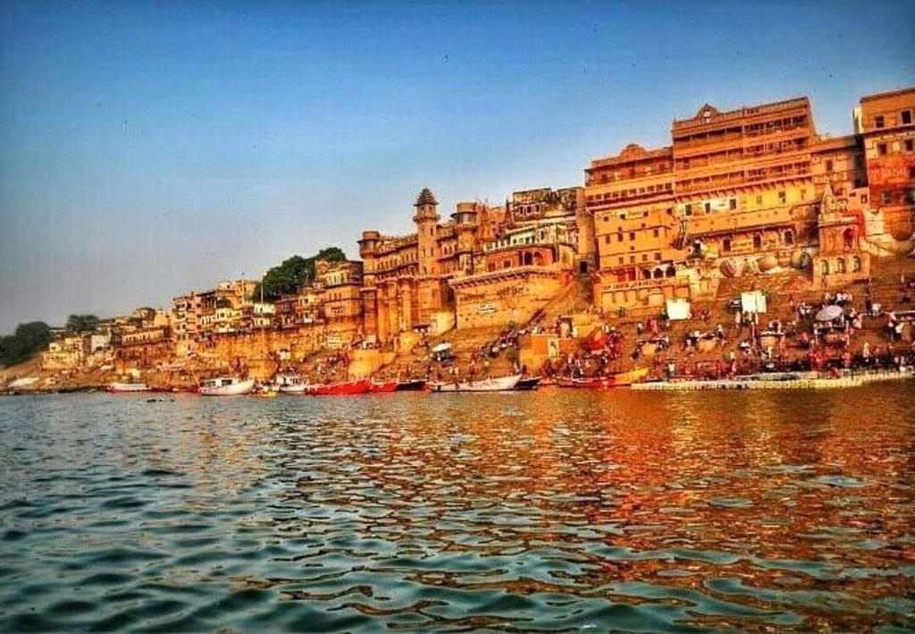 Hotel Punchsheel in Varanasi