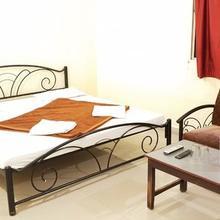 Hotel Pushpak Dham in Pachmarhi