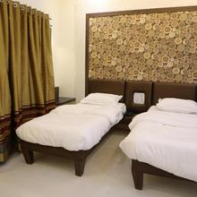 Hotel Pushpak Park in Osmanabad