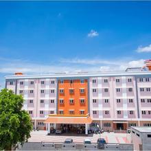 Hotel PVK Grand Dindigul in Thadikombu