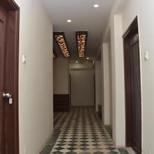 Hotel R Inn in Porbandar