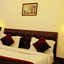 Hotel R R Grand in Kanpur