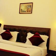 Hotel R R Grand in Lalganj