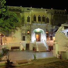 Hotel Radhika Haveli, Mandawa in Mukundgarh