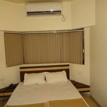 Hotel Radhika Palace in Parbhani