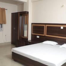 Hotel Radiant in Rampur
