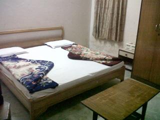 Hotel Raghav in Adhyatmik Nagar