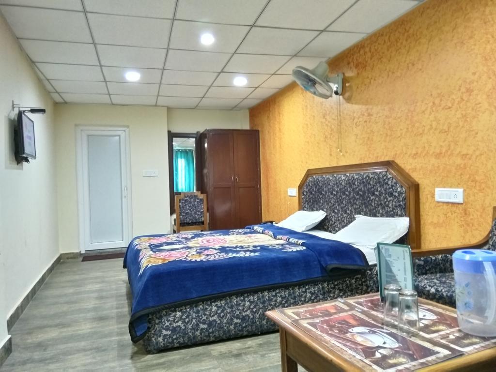 Hotel Raj Deluxe in Mussoorie