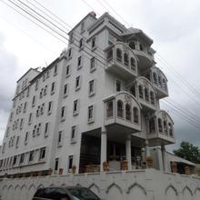 Hotel Raj Palace in Nagardeole