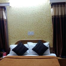 Hotel Raj Palace in Bargarh