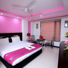 Hotel Raj Villa in New Delhi