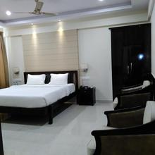 Hotel Raj Vista in Bengaluru
