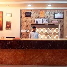Hotel Raja Seth Palace in Rahimabad