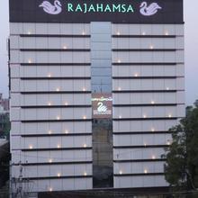 Hotel Rajahamsa in Zangalapalle