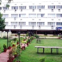Hotel Rajavihar Deluxe in Alampur