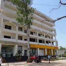 Hotel Rajmahal in Iqbalpur