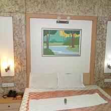Hotel Rajvilas in Akola