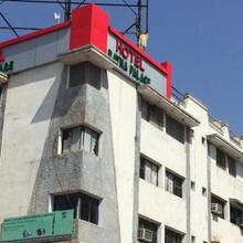 Hotel Ratna Palace in Gandhinagar