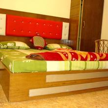 Hotel Rattans Regency in Dhandhera