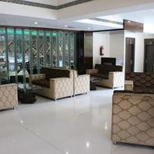 Hotel Ravisha Continental in Chaukhandi