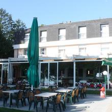 Hotel Restaurant de la Plage in Longirod