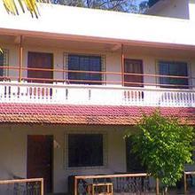 Hotel Riba in Srivardhan